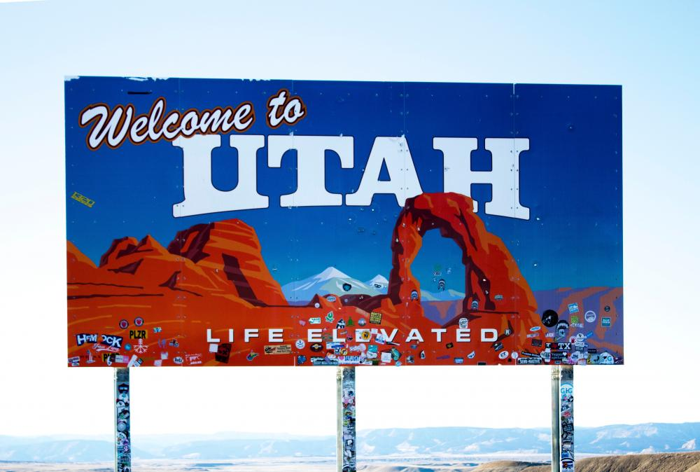 Welcome to Utah freeway sign